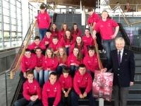 Cyflwyno Neges Heddwch ac Ewyllys Da yr Urdd 2014 i Gynulliad Cenedlaethol Cymru